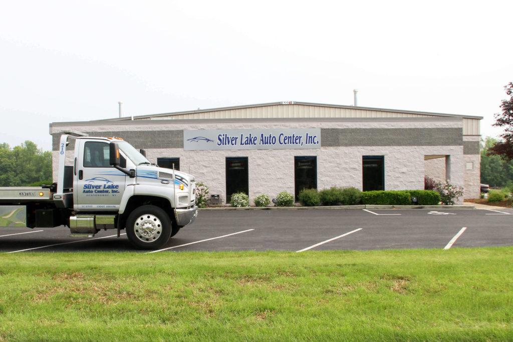 Silver Lake Auto Center In Hartland Wi